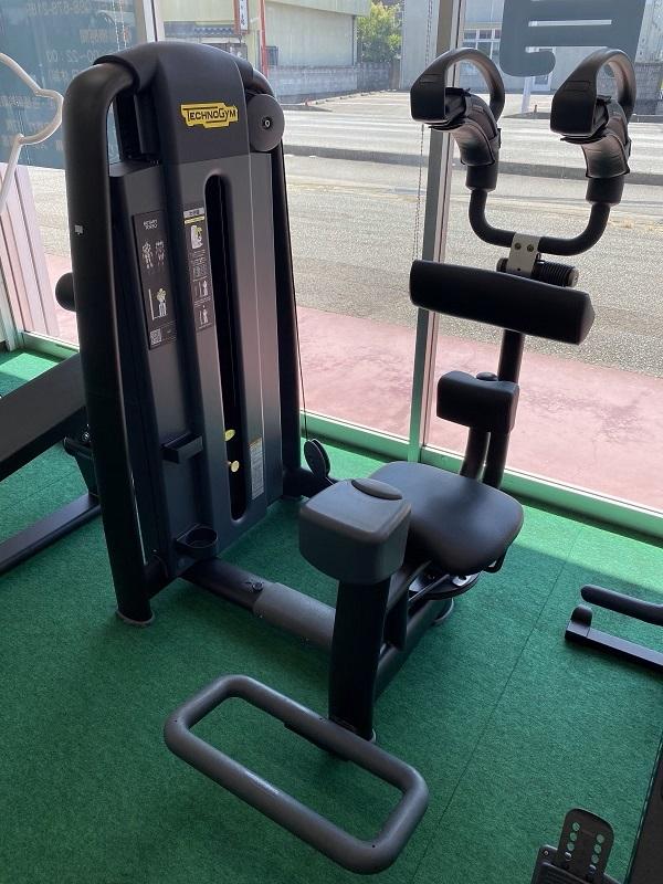 トルソー ロータリー 腹筋マシン「ロータリートーソ」の効果と正しい使い方。適切な重さや回数を解説